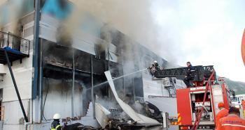 Marketler zincirinin bölge deposunda yangın