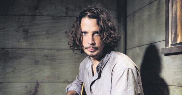 Rock yıldızı Chris Cornell turnede öldü
