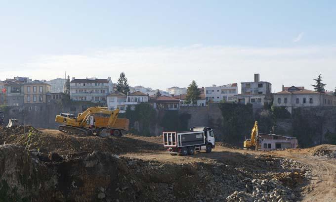 Cudibey Ortaokulu ve Trabzon Öğretmen Evinin yapımına başlandı