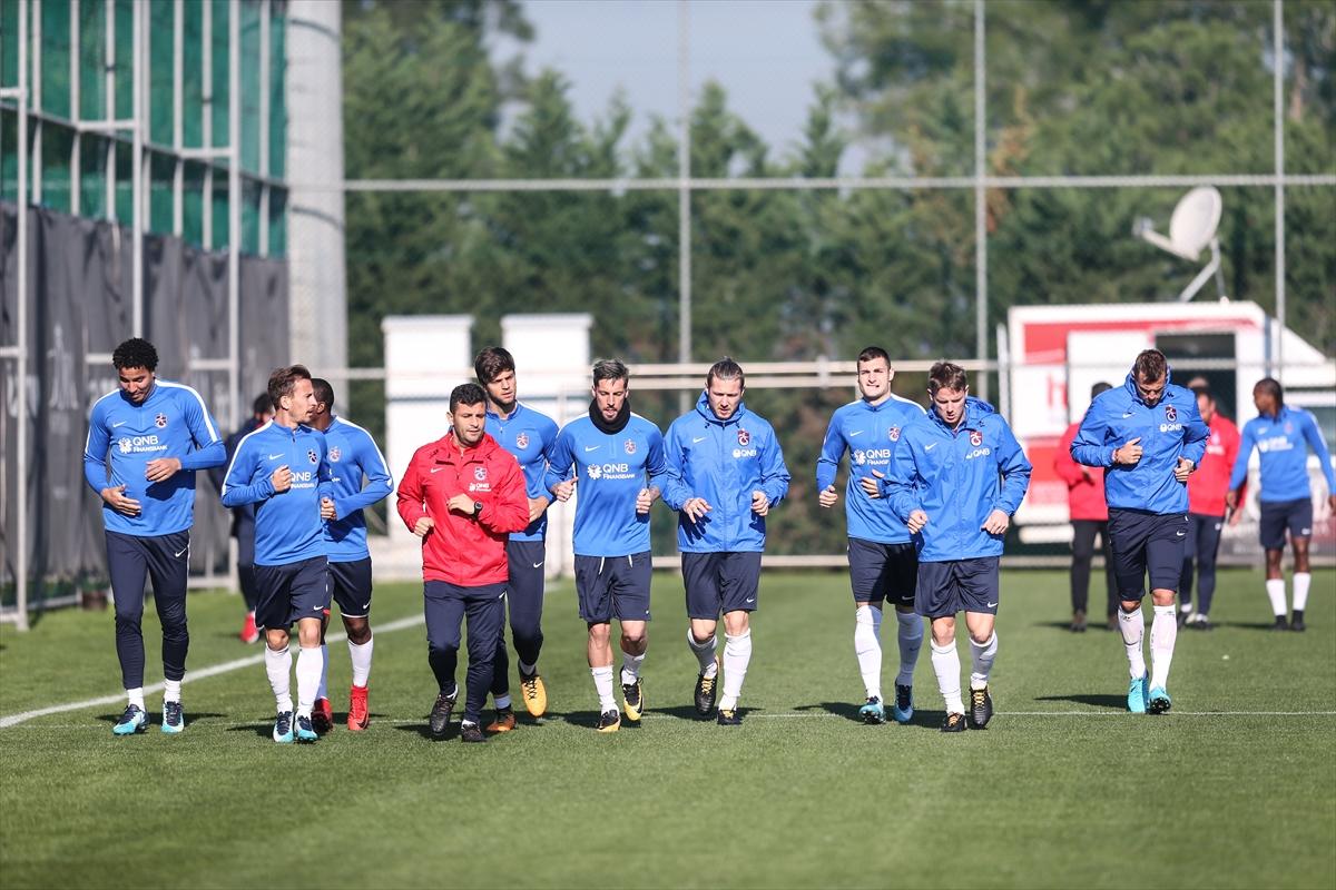 Trabzonspor'da antrenmana 10 futbolcu katıldı
