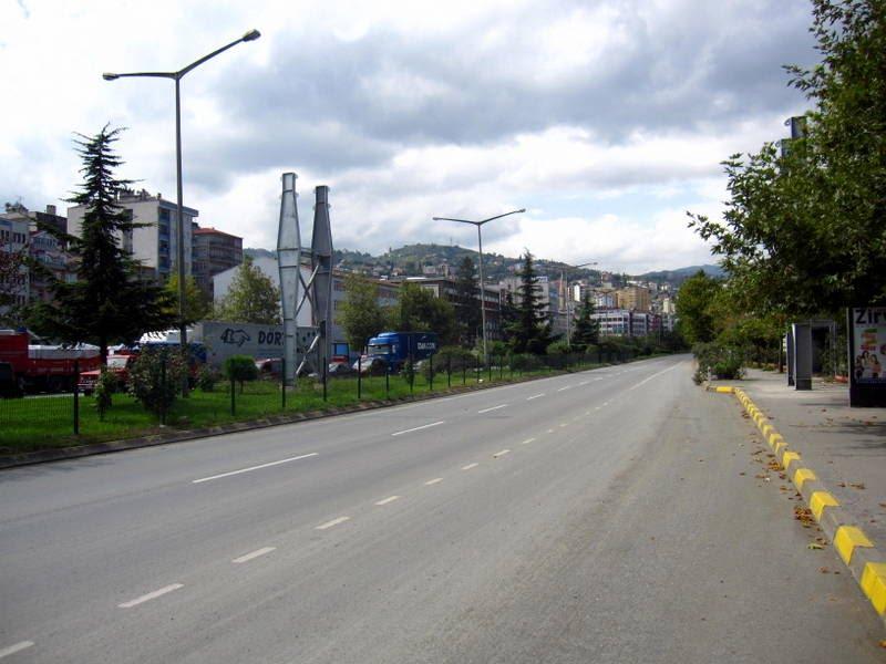 Sürücüler dikkat! Trabzon'da bu yol trafiğe kapalı