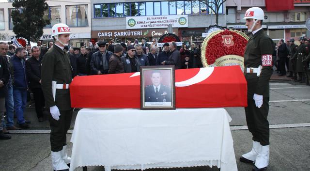 Emekli Albay Hacıahmetoğlu için Trabzon'da tören