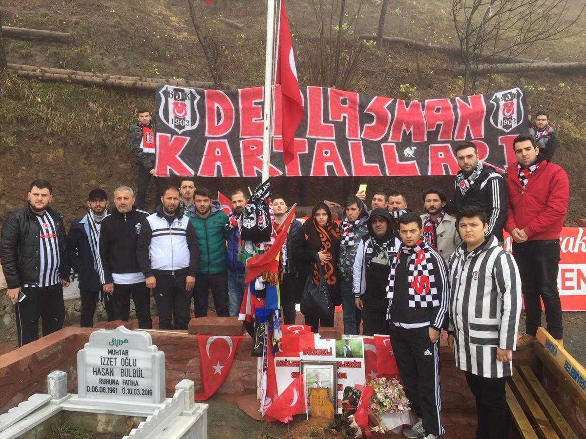 Beşiktaşlı taraftarlardan şehit Eren Bülbül'ün mezarına ziyaret