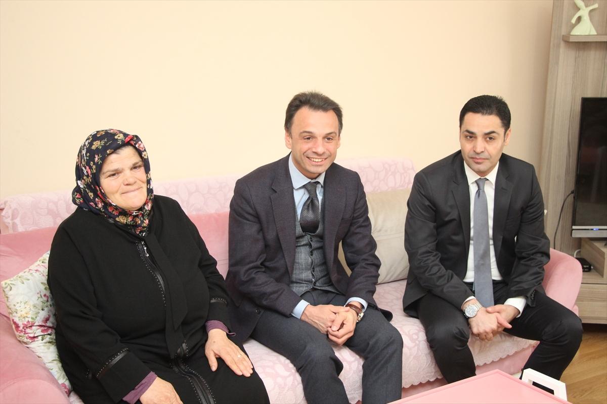 Kaymakam Aktürk, Şehit Eren Bülbül'ün annesini ziyaret etti