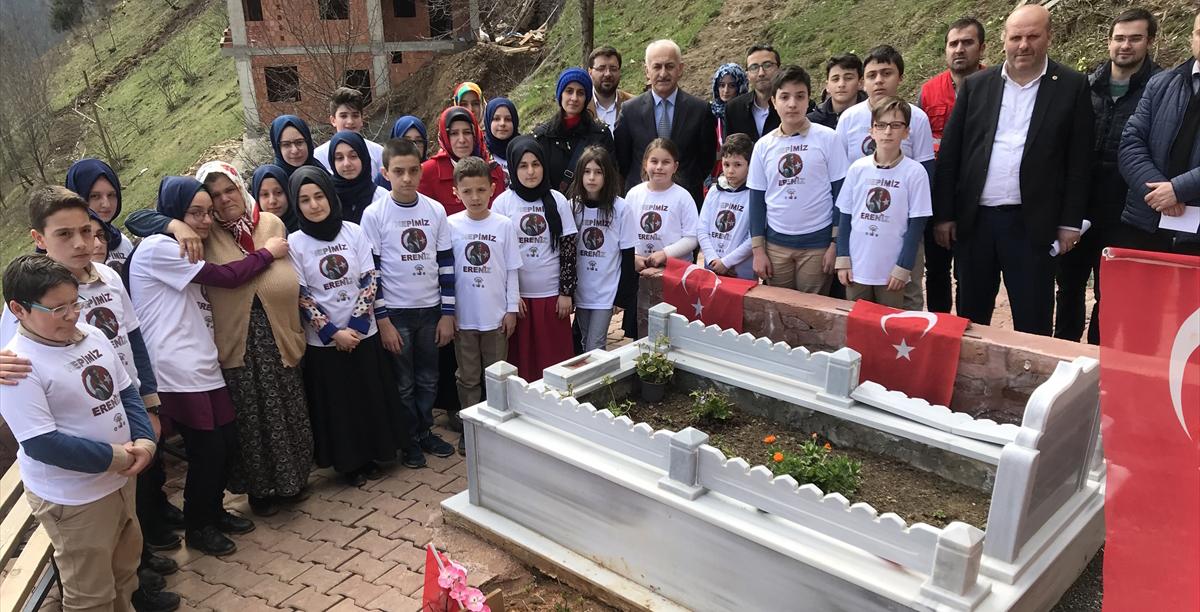 Öğrenciler Eren Bülbül'ün mezarını ziyaret etti