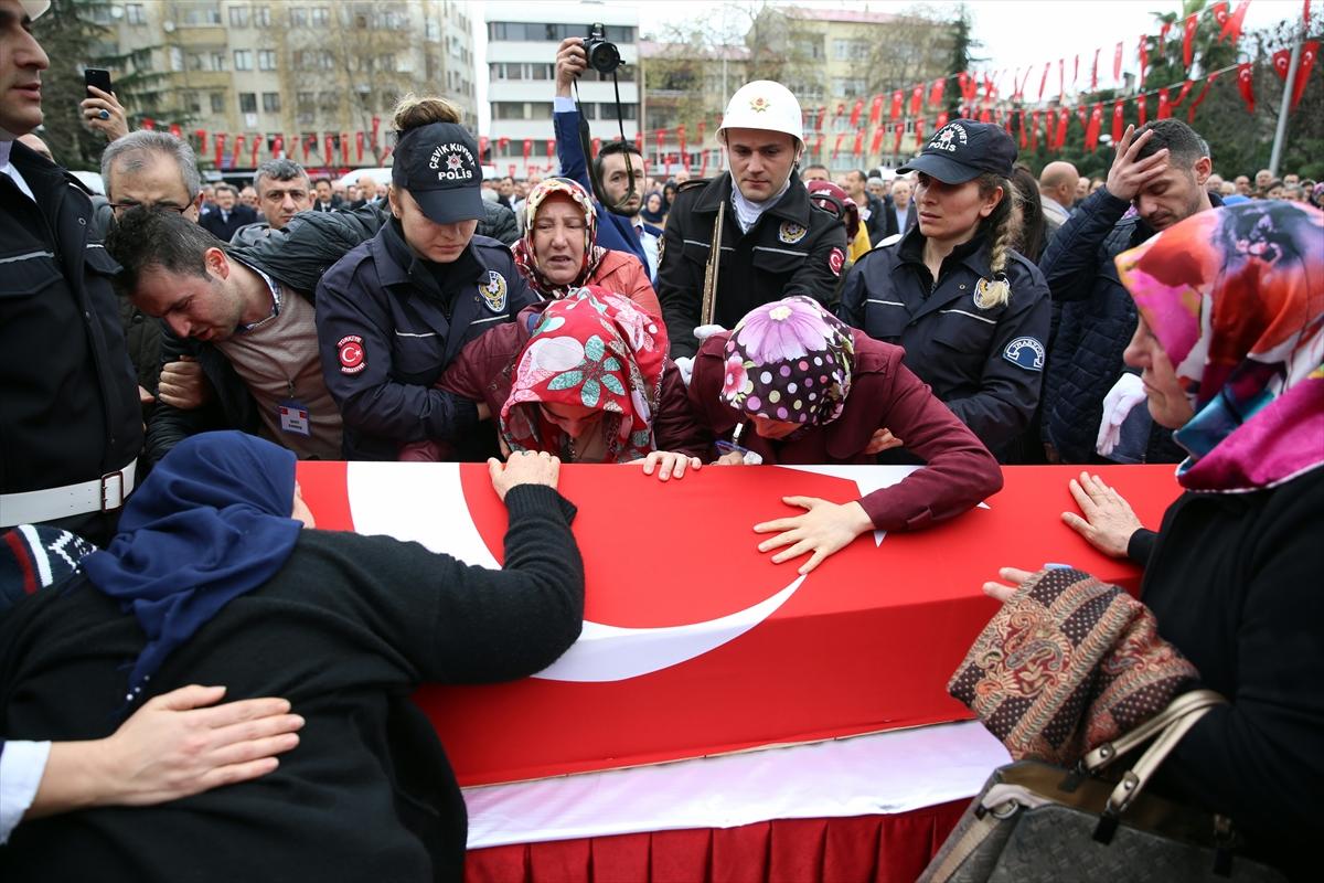 Trabzon'da şehit polis son yolculuğuna uğurlanıyor