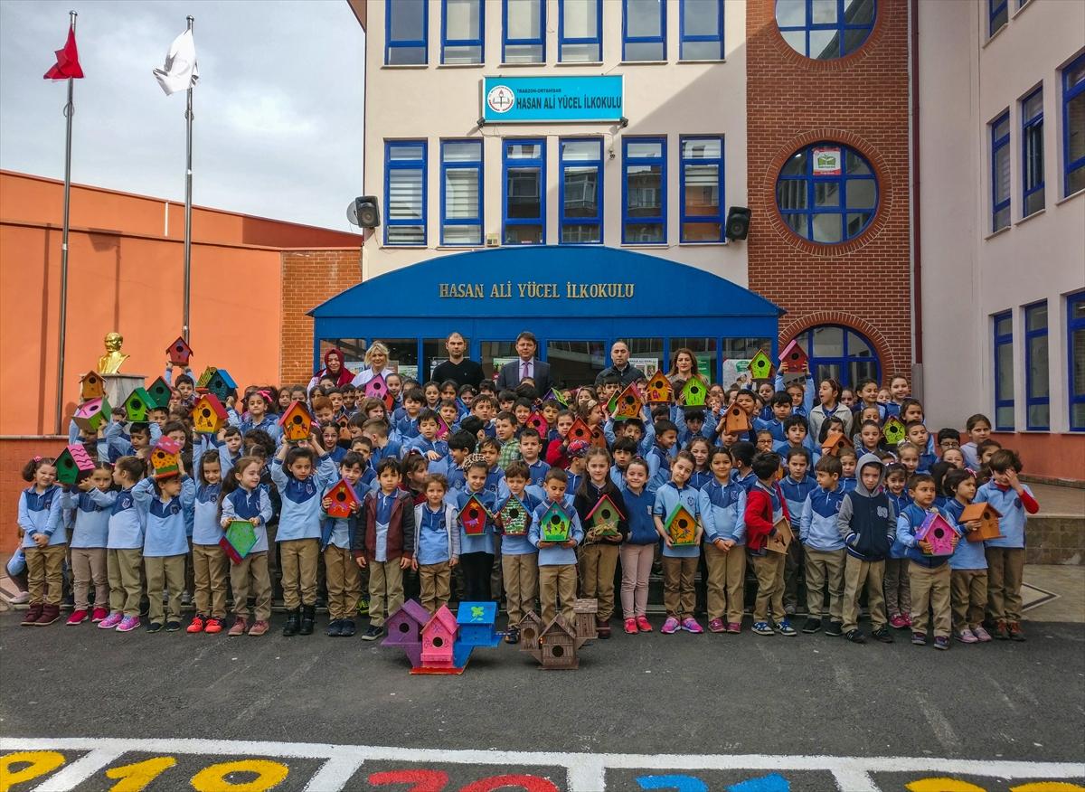 Trabzonlu öğrencilerden kuşlar için rengarenk yuvalar