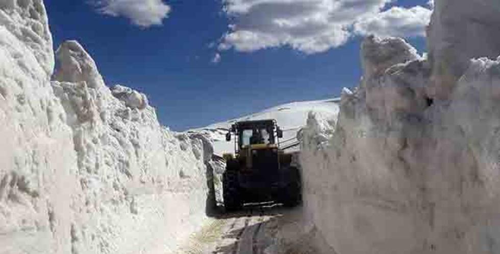 Trabzon'da Kar İle Mücadele sürüyor