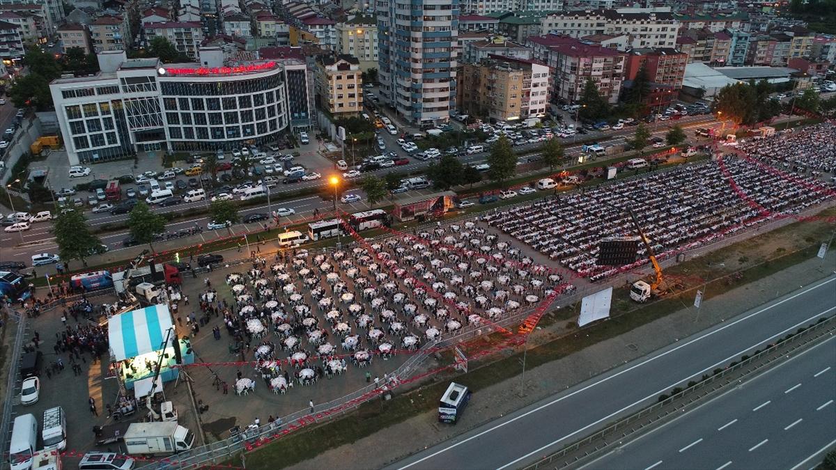 Trabzon'da 10 bin kişilik dev iftar!