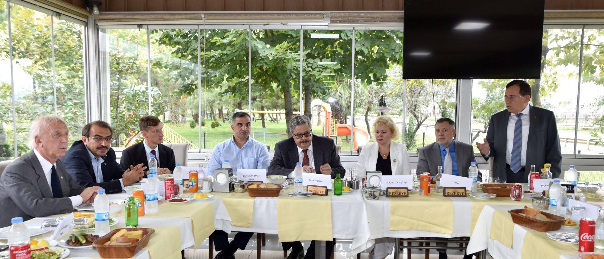 Rusya Büyükelçisi Trabzon iş dünyası temsilcileriyle buluştu