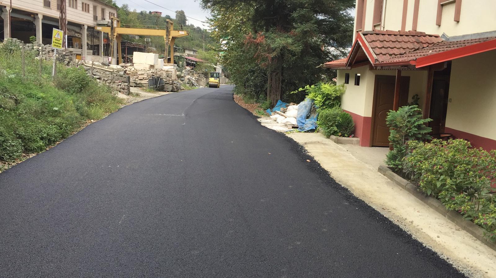 Trabzon'da asfaltlama çalışmaları aralıksız olarak sürdürülüyor