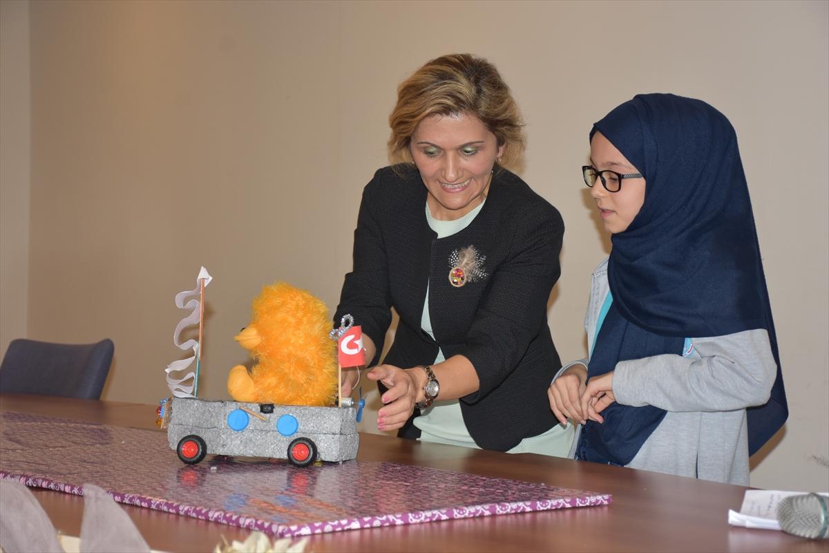 """Trabzon'da """"Robotlar Podyumda"""" yarışması düzenlendi"""