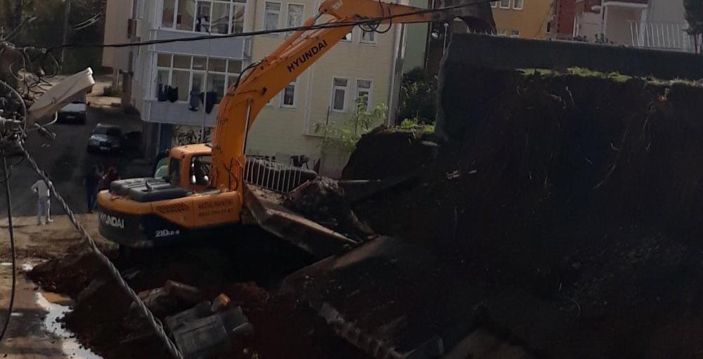 Trabzon'da Okulun duvarı çöktü!