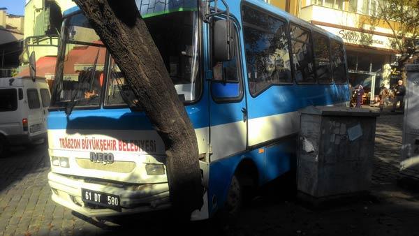 Trabzon'da faciadan dönüldü – Freni patlayan midibüs…