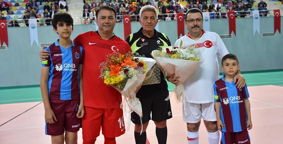 """Trabzon'da """"Şöhretler ve Efsaneler Futbol Turnuvası"""""""