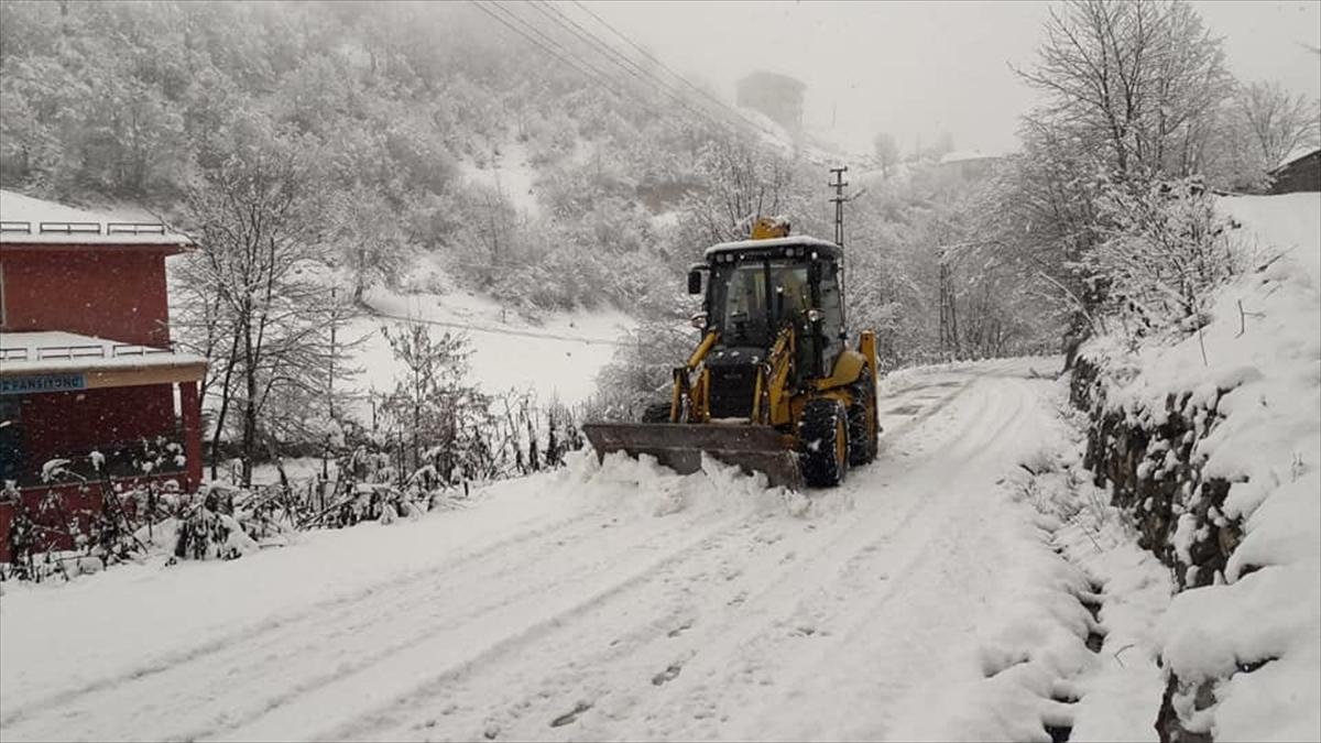 Karadeniz'de kış hayatı olumsuz etkiliyor