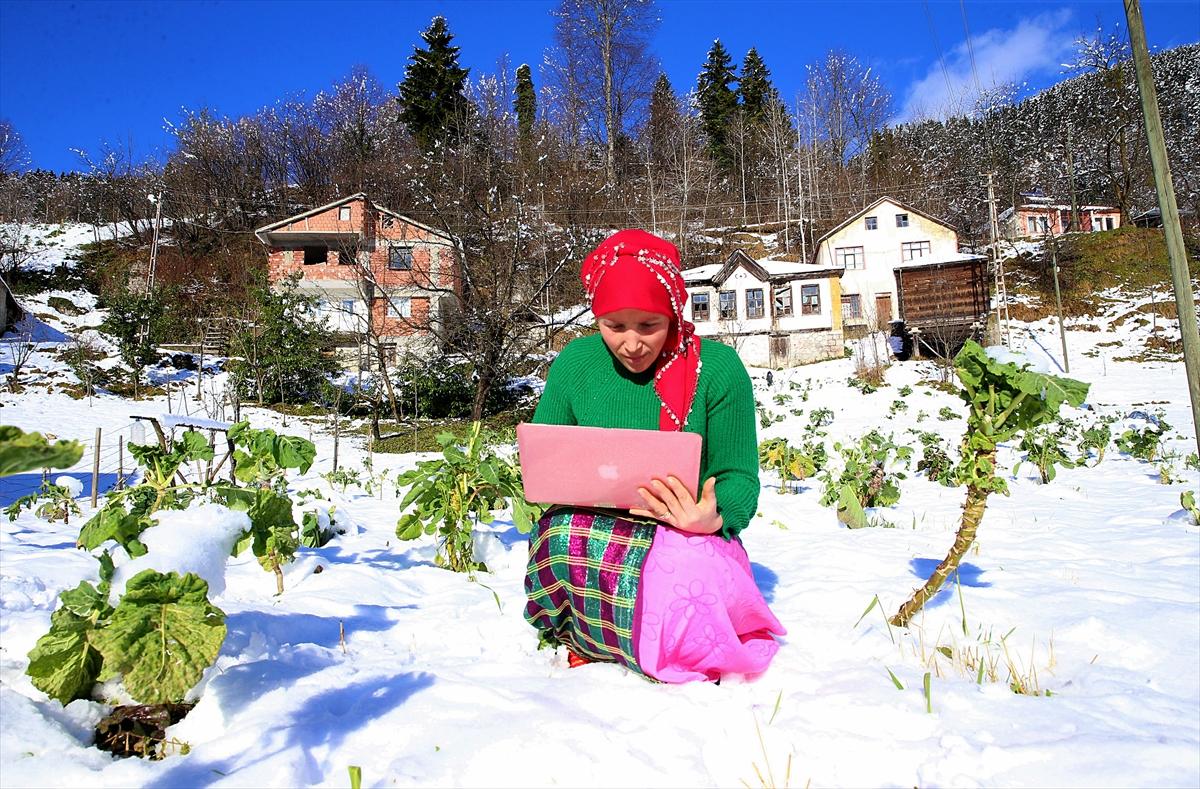 """Karadeniz kadınları """"Yılın Fotoğrafları""""oylamasına katıldı"""