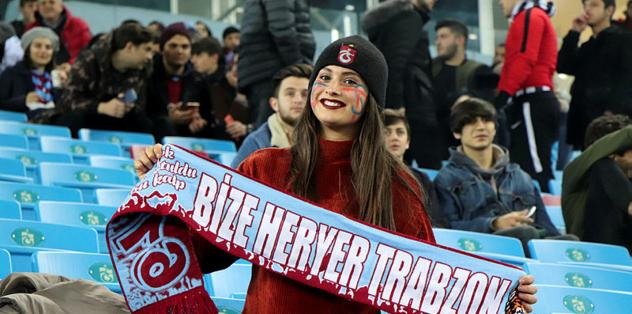Bordo-mavililer kazanıyor, Trabzon gülüyor