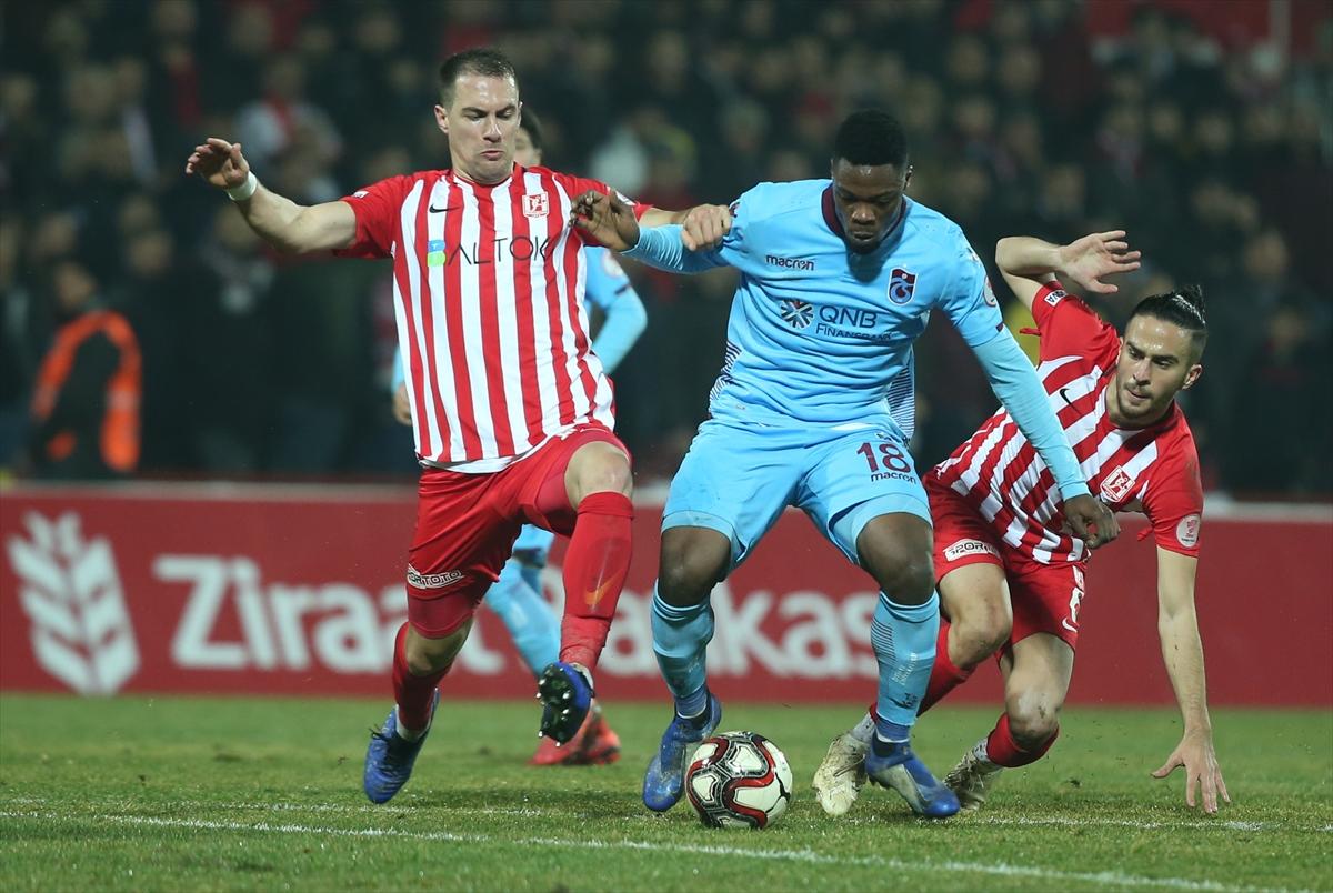 Trabzonspor'da gol silahı Rodallega ve Ekuban