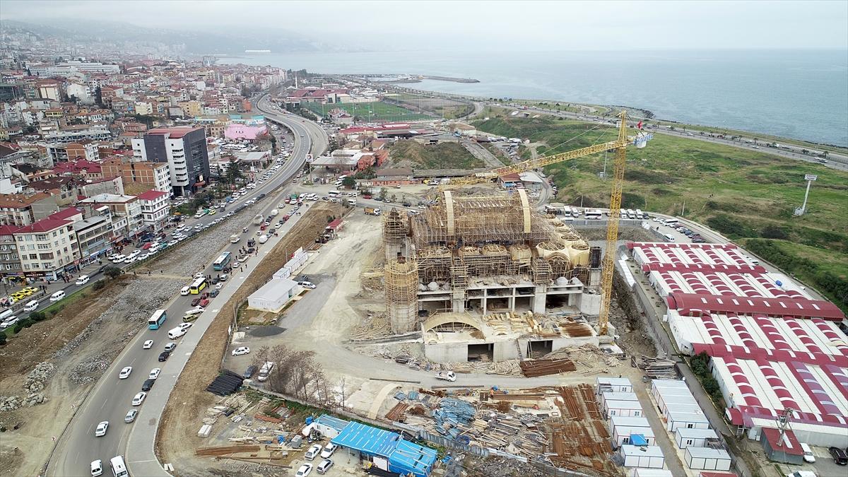 """""""Doğu Karadeniz'in en büyük cami ve külliyesi"""" Trabzon'da yükseliyor"""