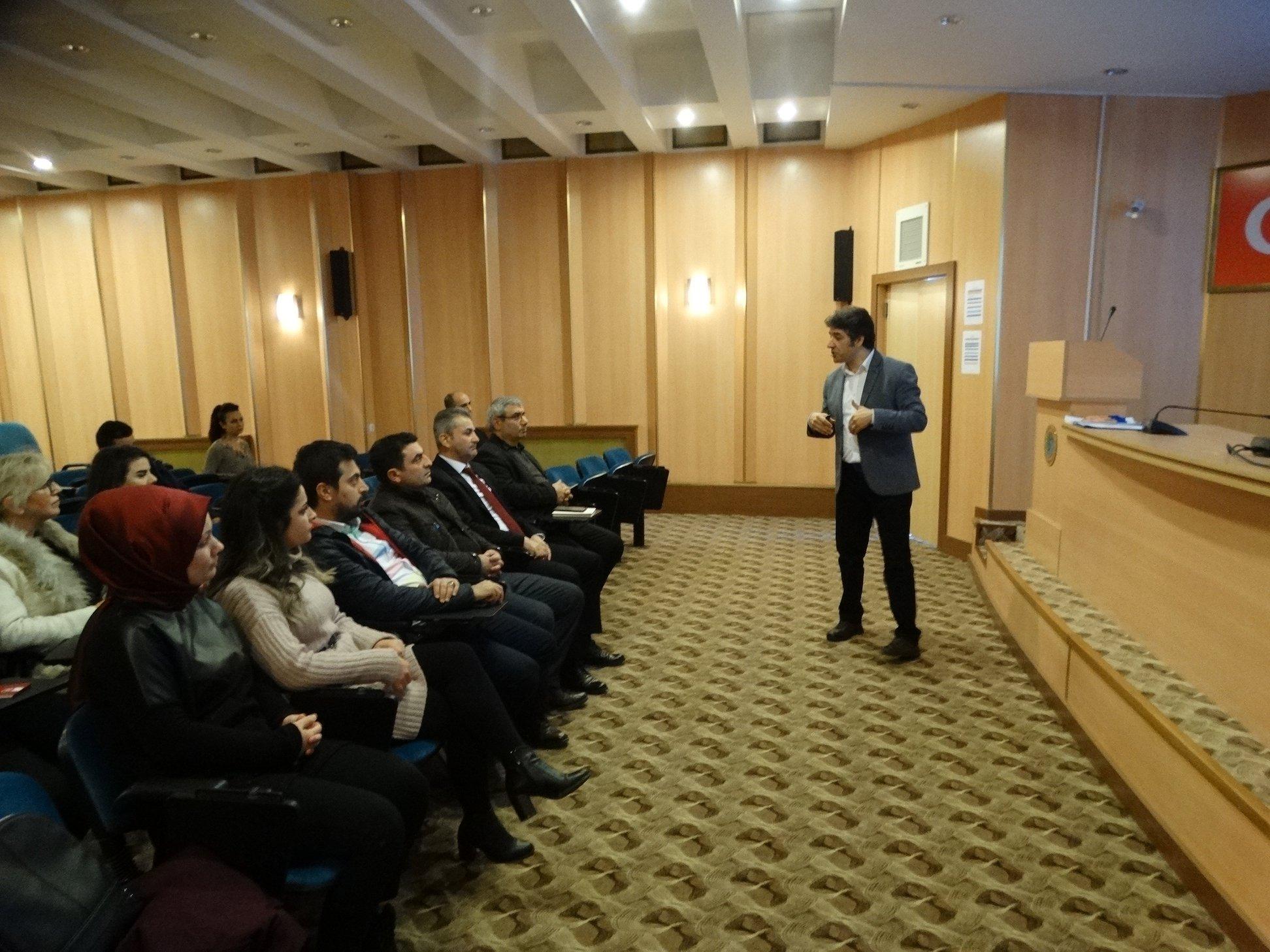 Arsin'de eğitimler hız kesmeden devam ediyor