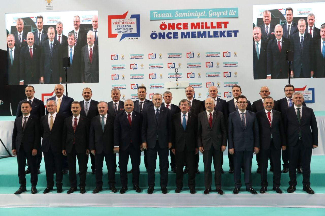 Trabzon Ekibi AK Parti'nin seçim manifesto toplantısına damga vurdu!