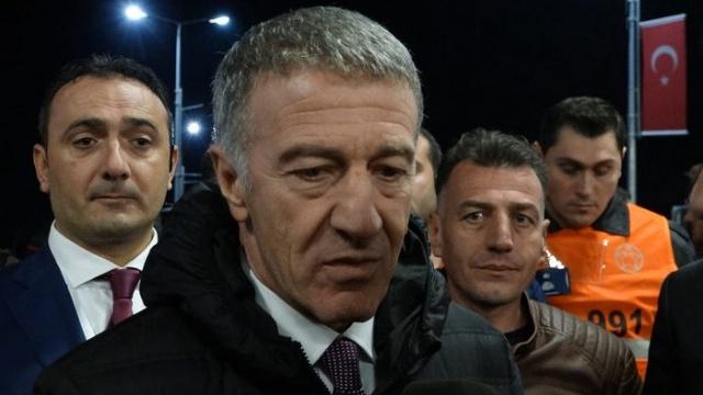 Ahmet Ağaoğlu soyunma odasına indi