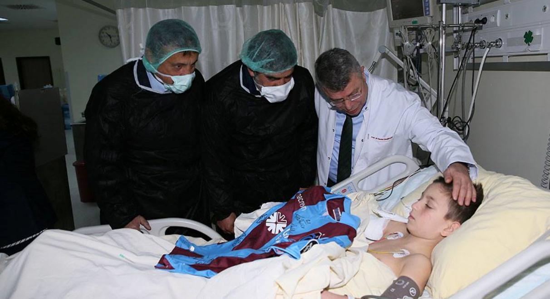 Trabzonspor, Kartal'daki aileleri ziyaret etti