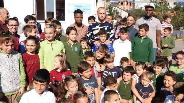 Alkışlar Trabzonspor'un 2 ismine!