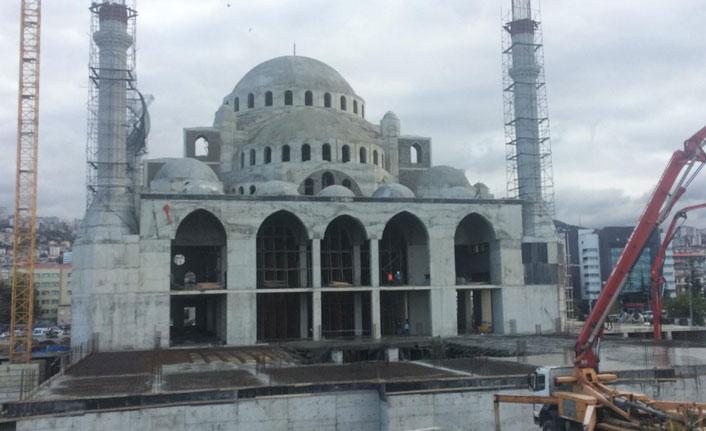 Trabzon'da yapılan yeni caminin zemininde tehlike mi var?