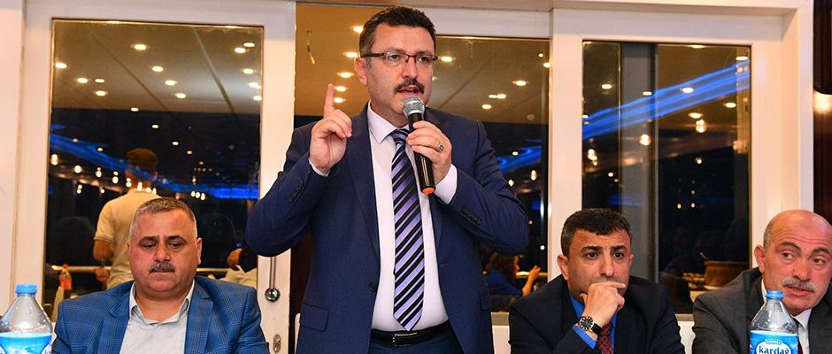 Ahmet Metin Genç muhtarlarla bir araya geldi
