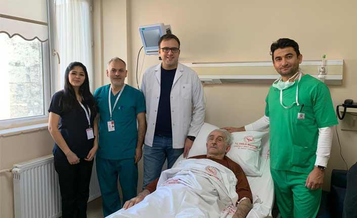 Trabzon'da şaşırtan ameliyat! Tam 130 gramlık taş…