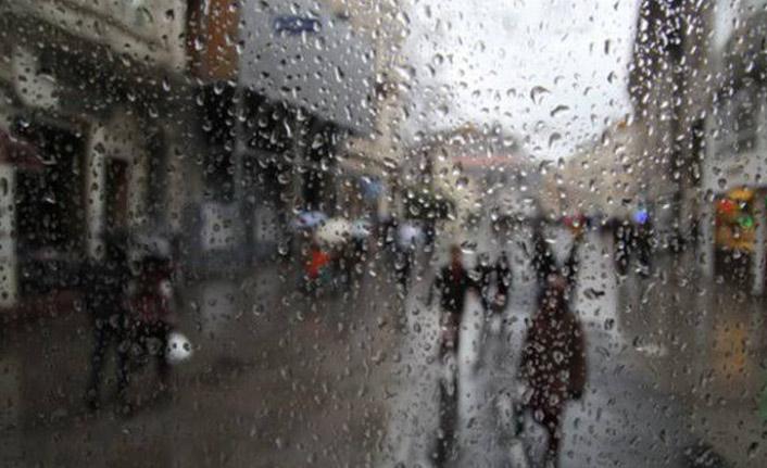 Trabzon'da dışarı çıkacaklar dikkat! Şemsiyenizi yanınızdan ayırmayın