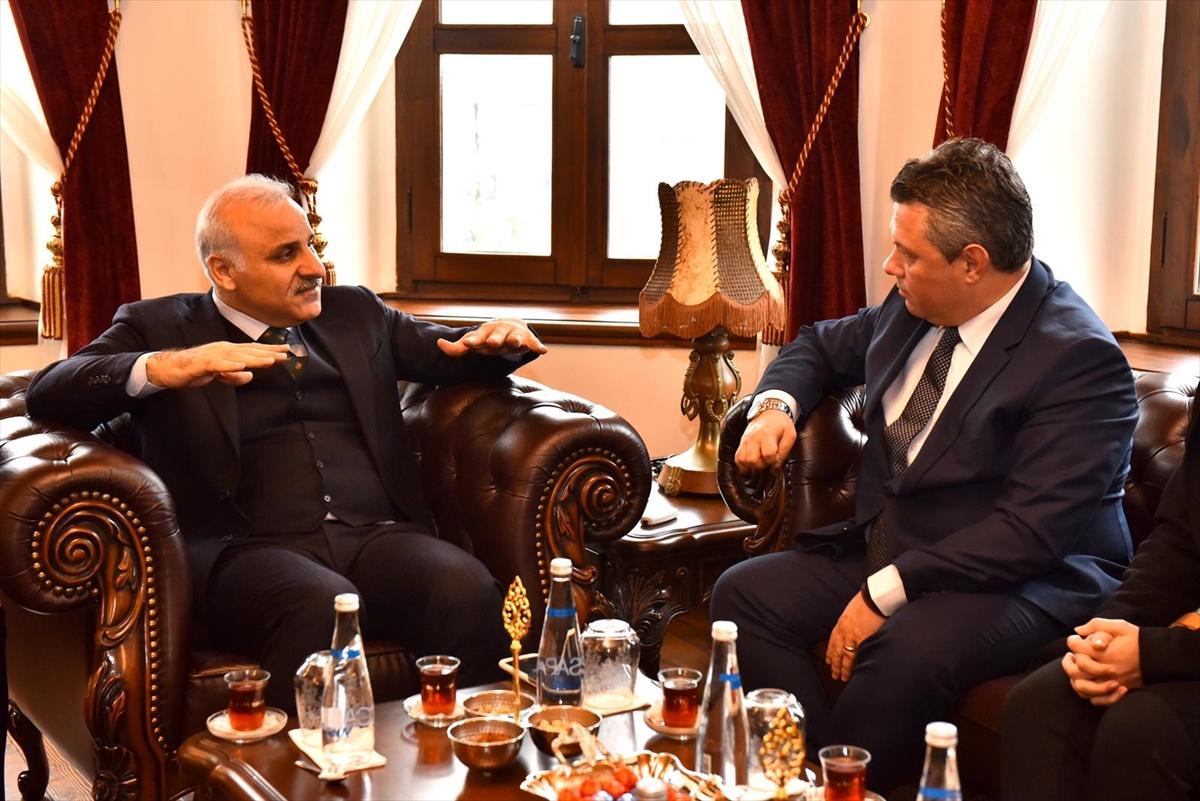 Trabzon ve Katar arasında başlatılacak direkt uçuşlar görüşüldü