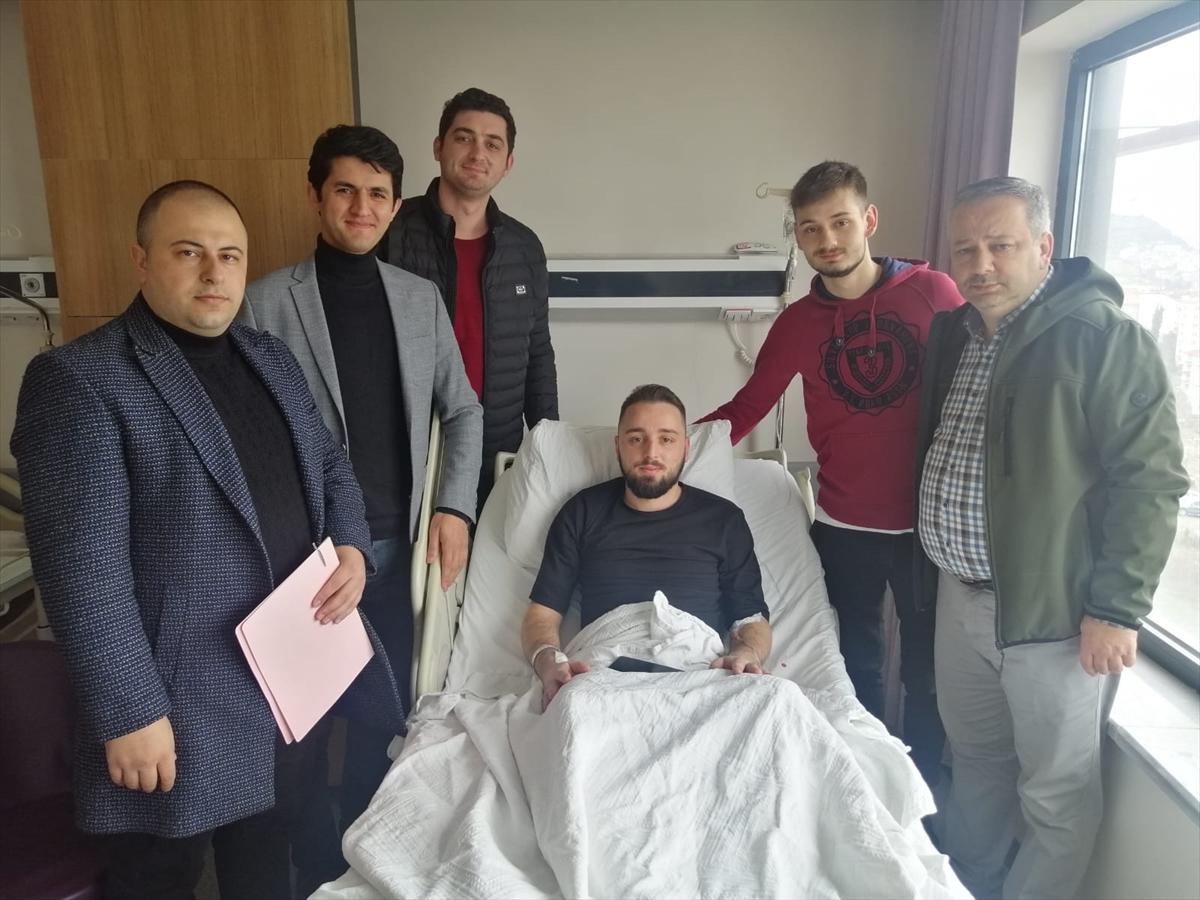 Trabzon'da tedavi gören gencin iş mülakatı hastanede yapıldı