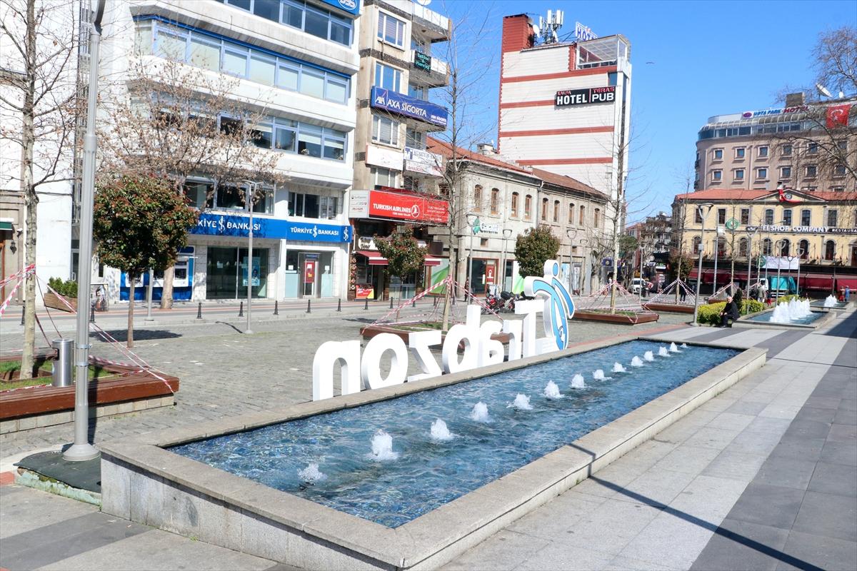 Trabzon'da sokağa çıkan 65 yaş üstü vatandaşlar uyarılarak evlerine gönderildi