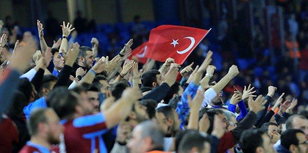Ahmet Ağaoğlu taraftara seslendi!