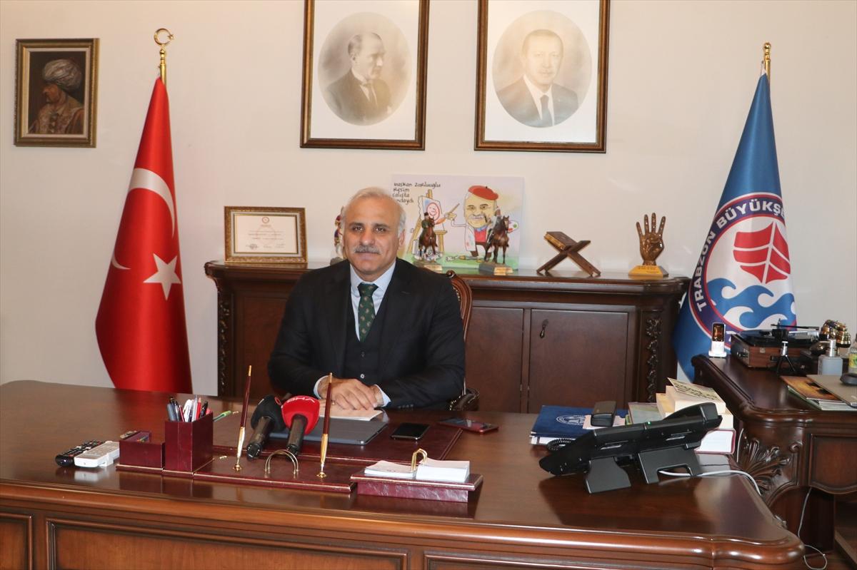 Trabzon'da üniversite sınavına hazırlanan gençlere online eğitim veriliyor