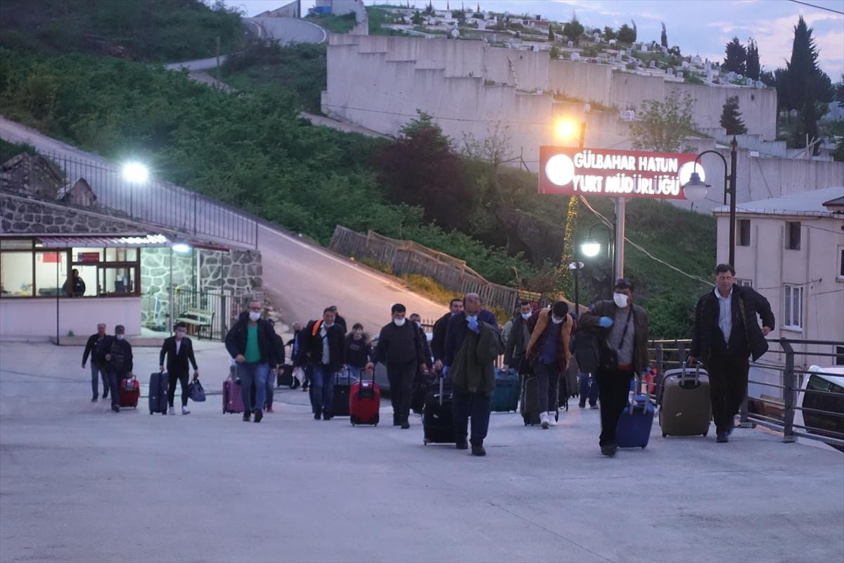 Rusya'dan getirilen 161 Türk vatandaşı Trabzon'da karantinaya alındı