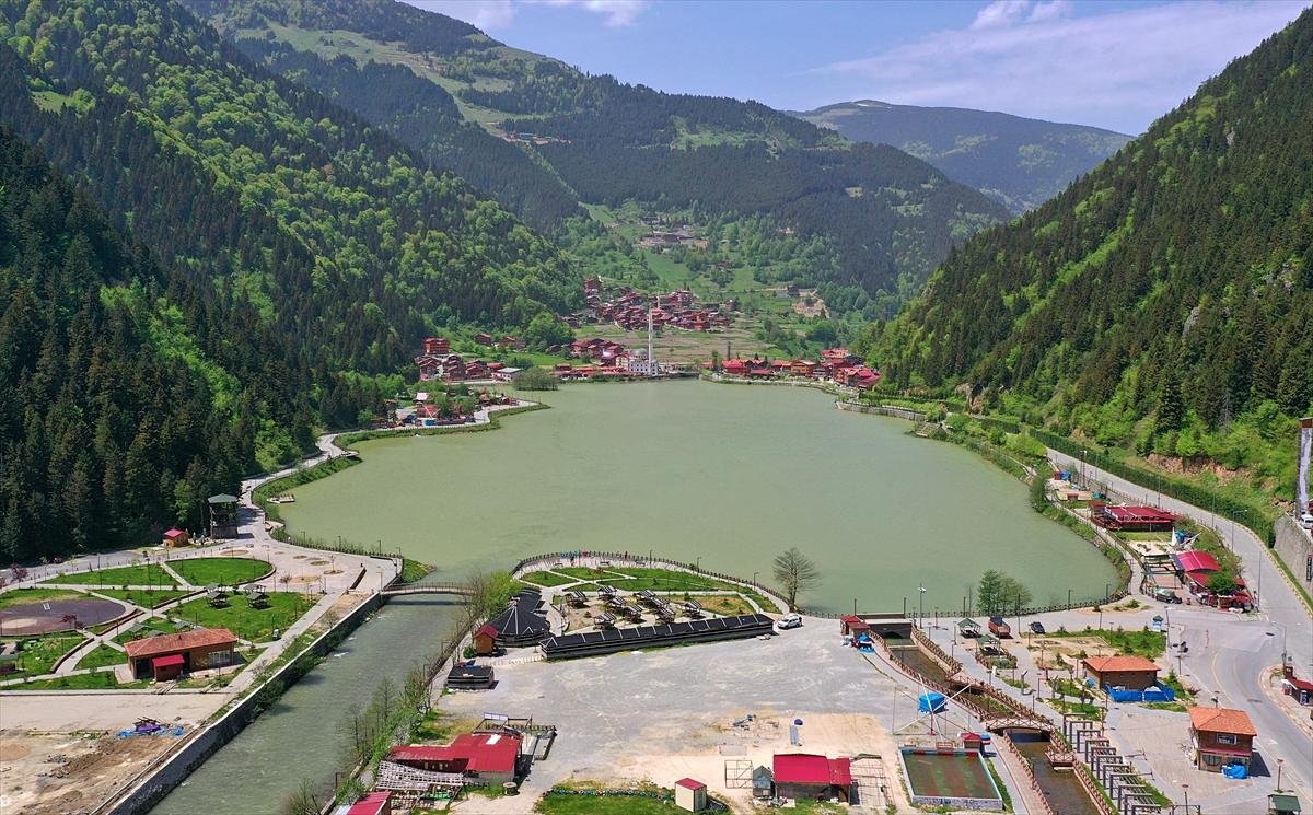 Dünyaca ünlü turizm merkezi Uzungöl'de Kovid-19 sessizliği