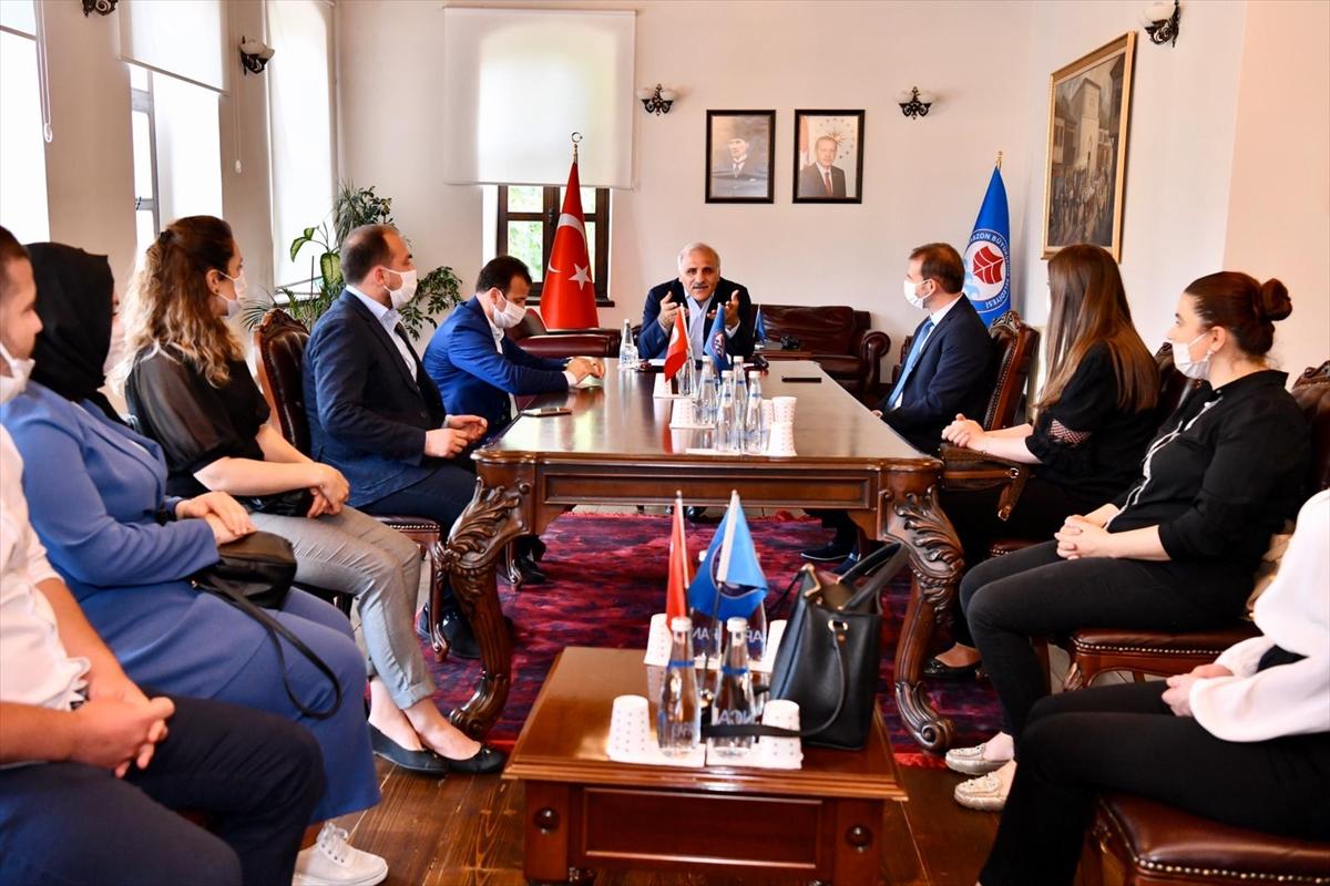 Trabzon Büyükşehir Belediye Başkanı Zorluoğlu, öğretmenlerle bir araya geldi
