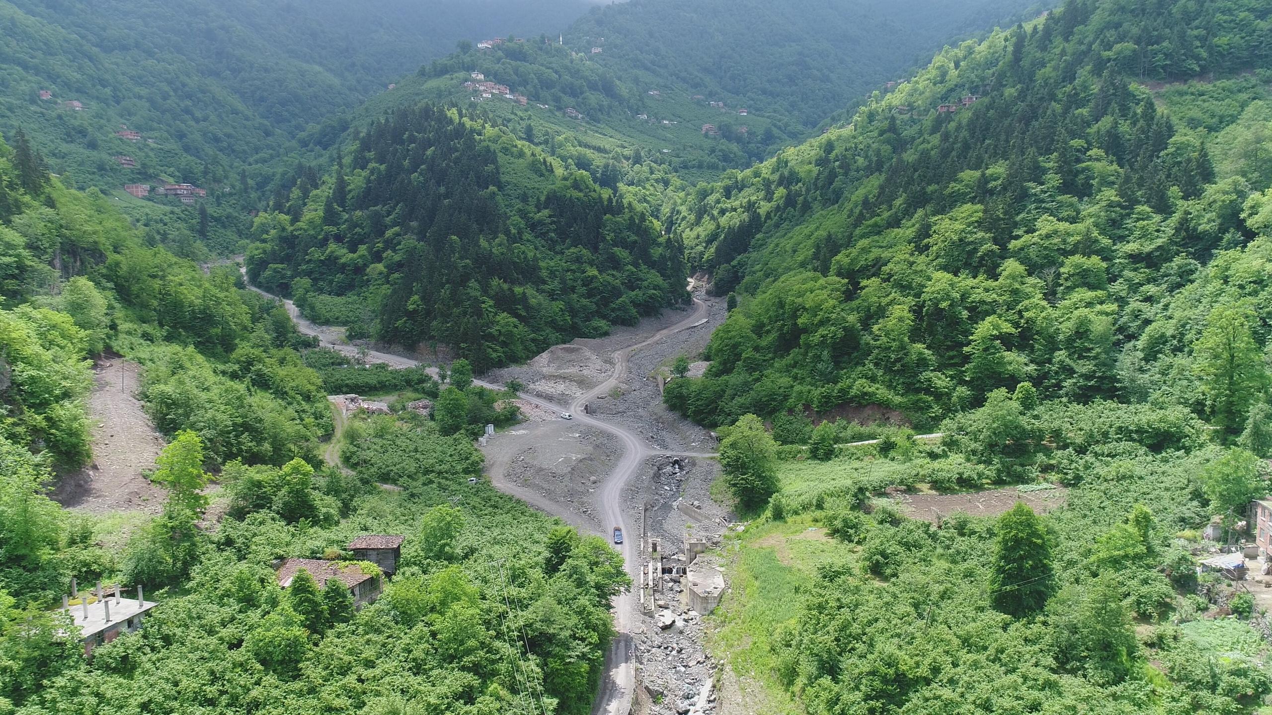 8 kişinin hayatını kaybettiği, 2 kişinin kaybolduğu sel felaketini 12 kişi ile andılar