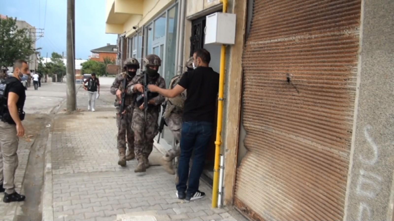Trabzon'daki uyuşturucu operasyonunda gözaltına alınan 15 kişi tutuklanarak cezaevine gönderildi