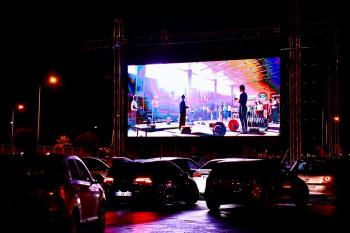 Büyükşehir'den arabada sinema keyfi