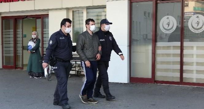Trabzon'da doktora oksijen tüpüyle saldıran şahsın yargılanmasına başlandı
