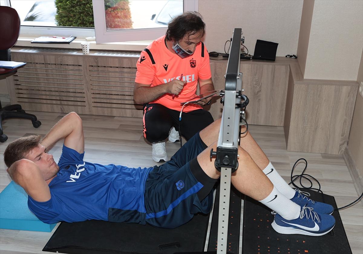 Trabzonspor'da oyuncular sağlık kontrolünden geçirildi