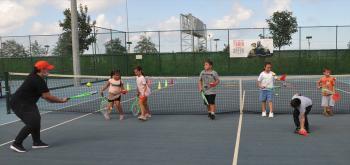 Trabzon'da çocuk ve gençlerden tenis kurslarına yoğun ilgi