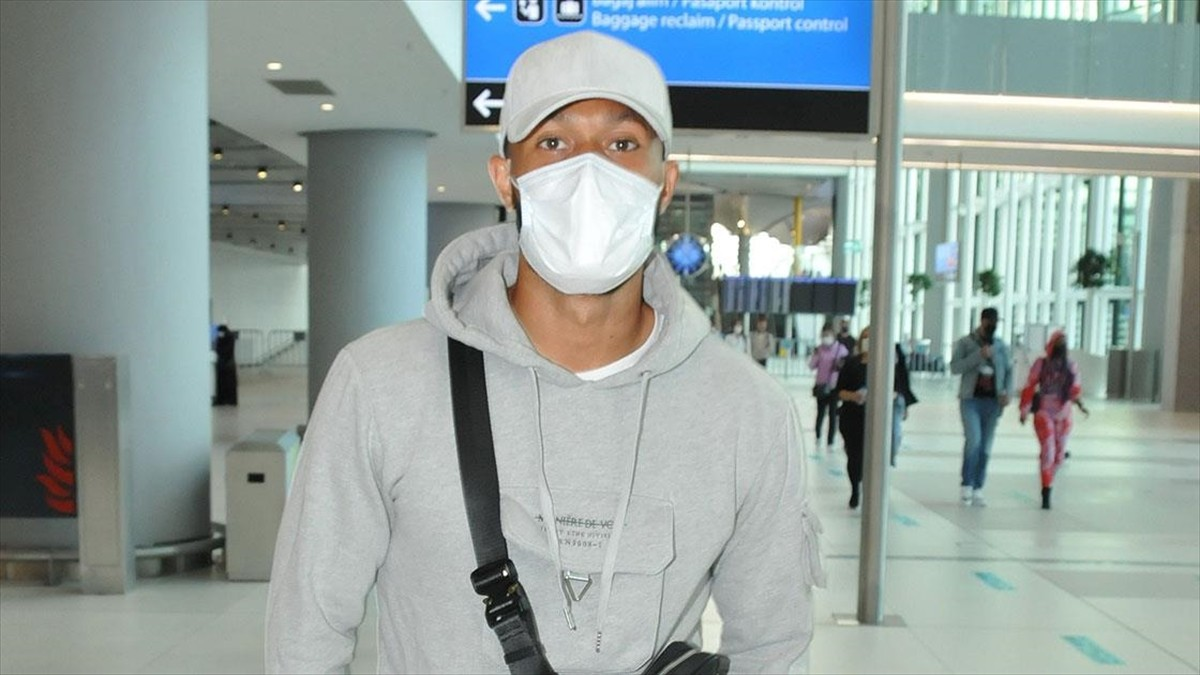 Trabzonspor'un transfer gündeminde yer alan Lewis Baker İstanbul'a geldi
