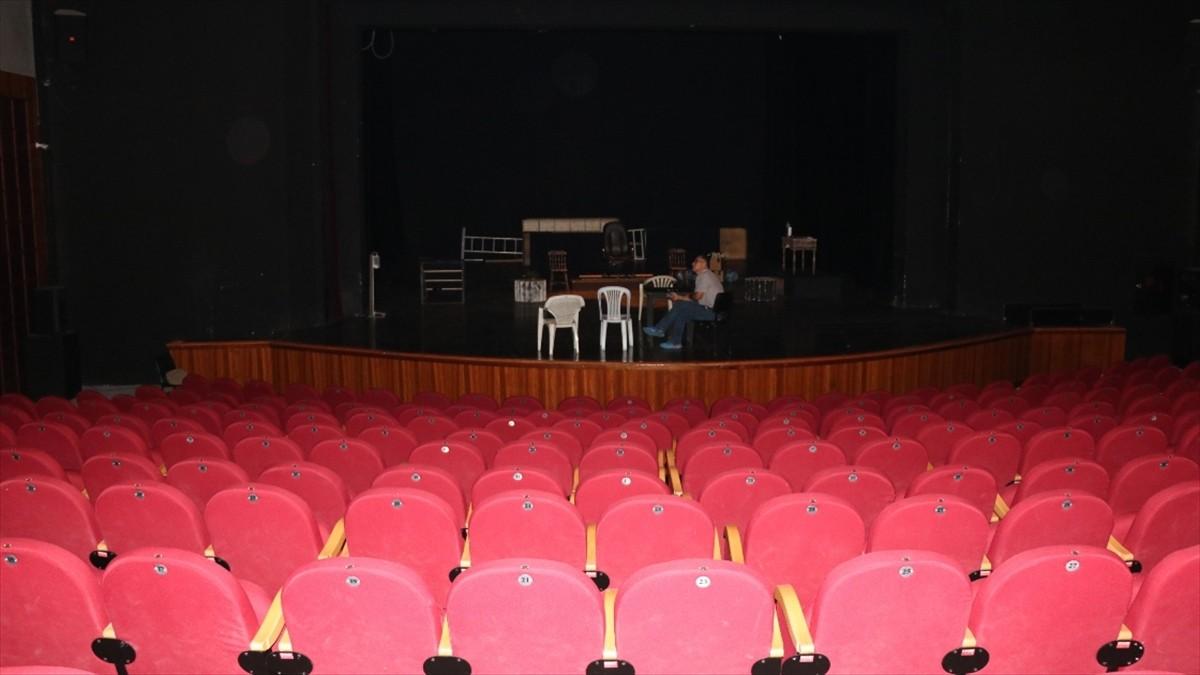 Trabzon Devlet Tiyatrosu 'Kuyucaklı Yusuf' oyununu sahneleyecek