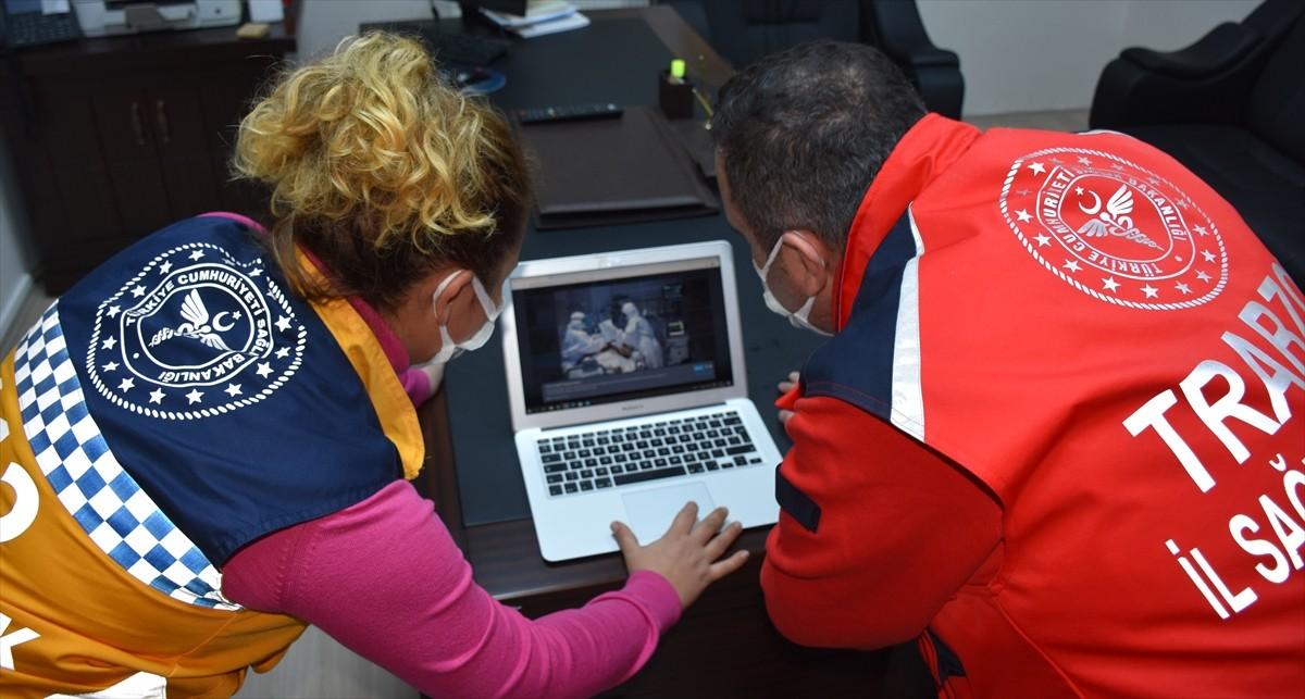 """Trabzon'da sağlıkçılar AA'nın """"Yılın Fotoğrafları"""" oylamasına katıldı"""
